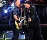 Per chi si è perso la festa, perché questo è stato l'energico, coinvolgente, prorompente concerto di Bruce Springsteen a San Siro, ringraziare per l'esistenza di youtube oggi è il minimo… […]