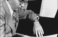 Accade tra il 1939 e il 1940. Nel Queens, un compositore scappato dalla Germania Nazista decide di partecipare ad un concorso organizzato dal World's Fair e riservato ai rifugiati di […]