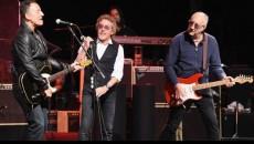 Pete Townshend, Roger Daltrey e Bruce Springsteen suonano insieme sul palco delBest Buy Theater di New York, il 29 maggio, in quello che sarà l'ultimo tour della carriera degli Who. […]