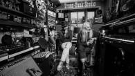 Premi il tasto play e inizi un viaggio musicale nelle sonorità degli anni Settanta. Il duo soul pop Young Gun Silver Fox, alias Andy Platts, e Shawn Lee recupera le […]