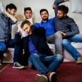 (Alessandra Ballarini) SPRITZ FOR FIVE: cinque ragazzi di nome Marco, Nicola, Piero, Giulio e Rocco provenienti da Trieste. Non hanno bisogno di strumenti perché sono loro gli strumenti. Vocal band […]